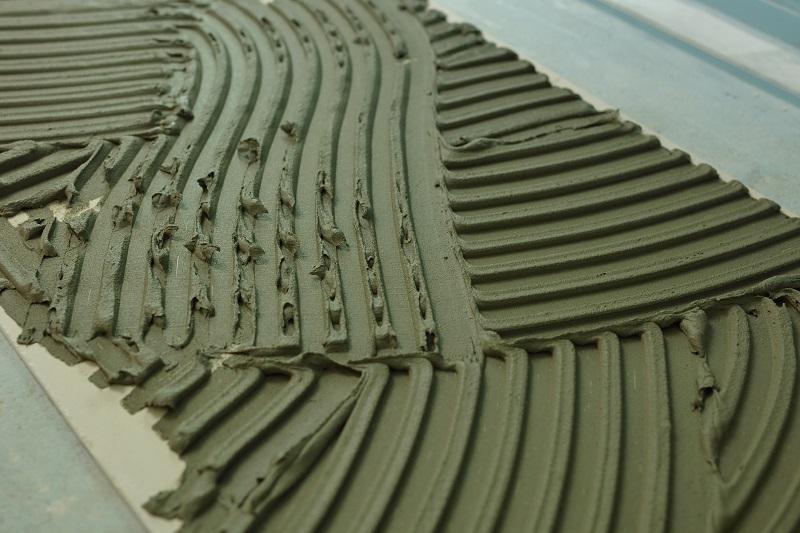 Klej żelowy - nowoczesne rozwiązanie w zakresie zapraw klejących